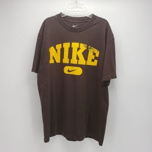 Nike | Graphic Tee | Brown/Yellow